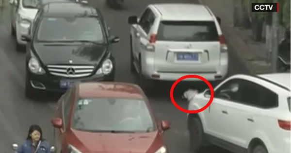 2-Year-Old Toddler Miraculously Survives In A Busy Street And You Can't Believe It… Oh My God!