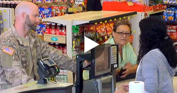 Veteran Can't Afford To Pay His Grocery Bill. Now Watch The Lady On The Right… Oh My God!
