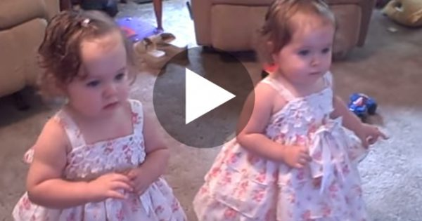 She Started Filming These Twin Girls, Now Watch Them When The Music Plays On.. So Sweet!