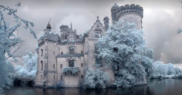 This Castle Is Abandoned Since 1932. But Wait Until You See Its Interior – Can You Believe It?