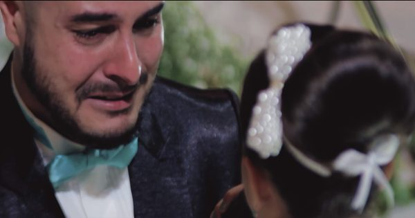 Groom stops vows to confess his love for another, his next words brought the entire church to tears