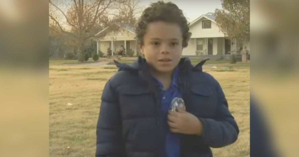Strange Man Grabs Little Girl and Takes Off, But Alert 11-Yr-Old Boy is There to Save The Day