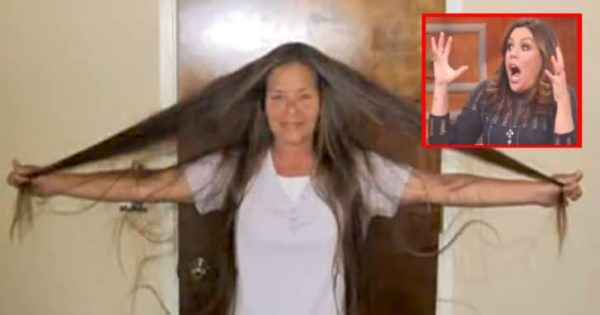 Selfless Mom Who Didn't Cut Her Hair for Over 30 Years, Finally Gets Jaw-Dropping Make-Over!