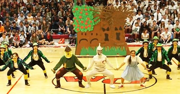 High School Dance Team Brings 'The Wizard of Oz ' to Life With Stunning Routine That is Going Viral