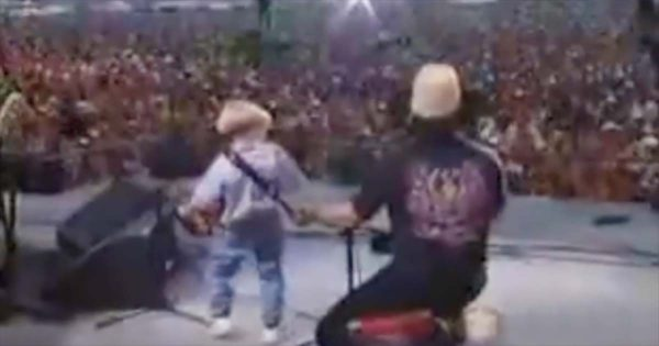 4-Yr-Old Steps to The Mic With Accordion in Hand. Crowd Goes Crazy When He Steals The Show
