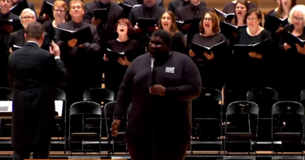 'Homeless Choir' Takes The Stage At Carnegie Hall, Brings Everyone To Tears The Moment They Start Singing