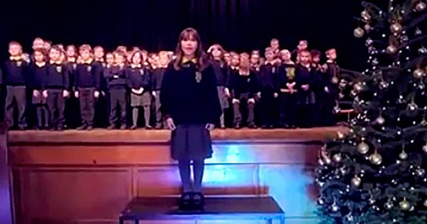 10-Yr-Old Girl With Autism Delivers Chilling Version of 'Hallelujah' That Brings The Audience To Tears