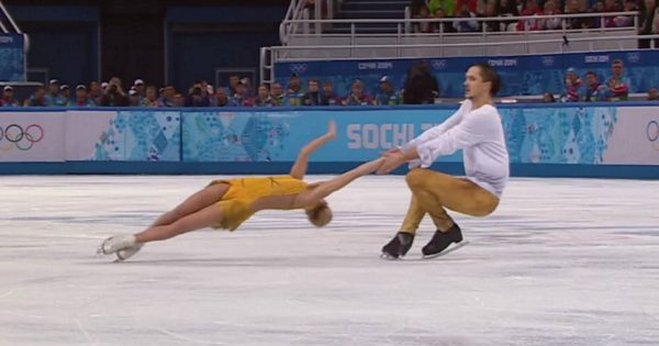 Figure Skating Pair Takes Audience's Breath Away, As They Try Unbelievable Move No One Saw Coming