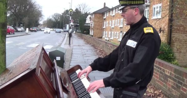Traffic Warden Spots Abandoned Piano In The Middle of Street, But His Hidden Talent Has Heads Turning