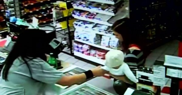 Cashier feels something wrong about mom and quickly grabs baby – Seconds later, the unthinkable happens