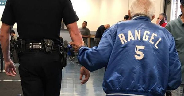 Bank reports police on 92-year-old man—when cop discovers why, he instantly takes him somewhere else