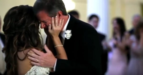 Bride is dancing with her father on wedding day – Then familiar voice interrupts song and makes him break down