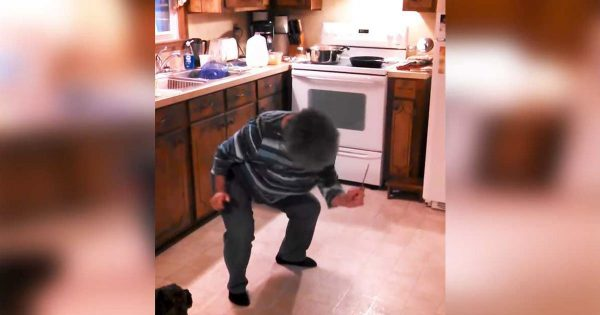 grandma is cooking when her favorite song plays on – family catches her hilarious moves in video that goes viral
