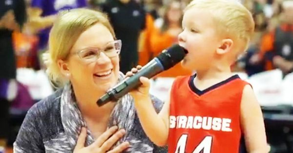 3-year-old boy stands to sing national anthem before crowd, only to have 6,000 people on their feet