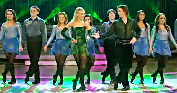 Couple performs 'Irish Riverdance', brings entire audience to their feet