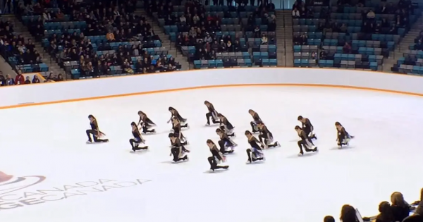 Skating team moves hearts with daring choreography to Bohemian Rhapsody