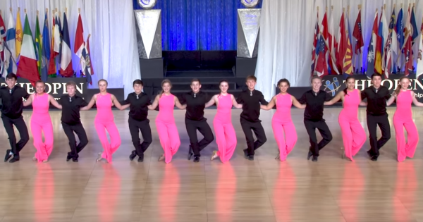 Teen dancers bring crowd to their feet with their incredible Carolina Shag dance