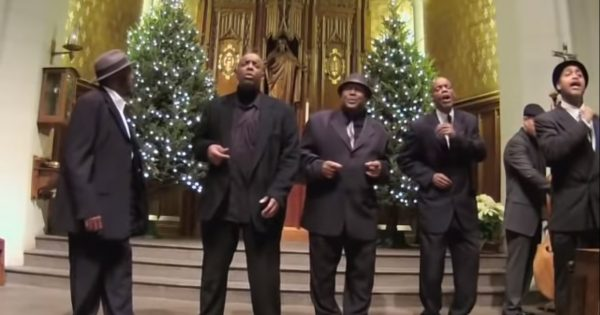 """Five gentlemen dressed in black stand in church – wows the audience with amazing rendition of """"Stand By Me"""""""